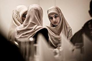 memilih teman bagi muslimah dalam pandangan islam