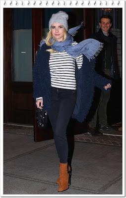 エマ・ロバーツ(Emma Roberts)は、エクスプレス(Express)のジャケット、ジェイブランド(J Brand)のロングTシャツ、エリザベスウェインストック(Elisabeth Weinstock)のポーチとディアフランシス(Dear Frances)のブーツを 着用。