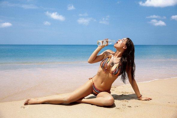 Ilya Bukowski arte fotografia fashion mulheres modelos biquinis roupas de banho praia beleza Doris Kemptner
