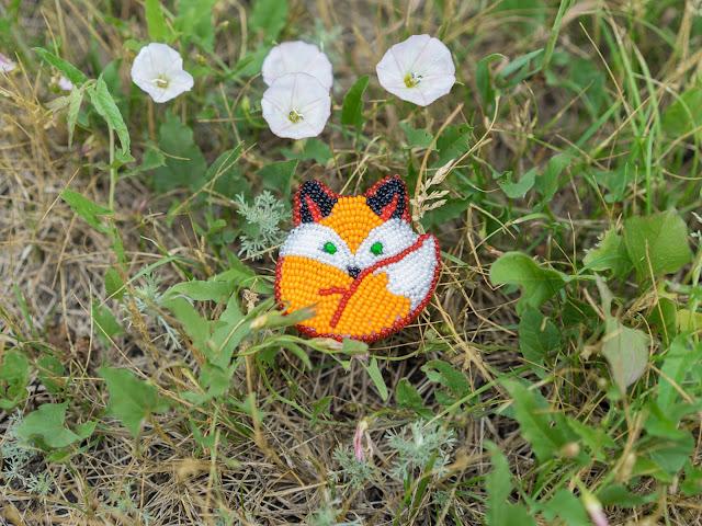 брошка в виде лисы