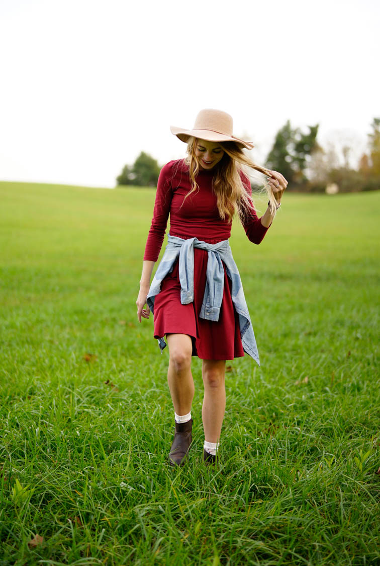girl-floppy-hat-virginia-hills-fields