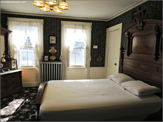 Lizzie Borden Bed & Breakfast Museum: Habitación del Matrimonio Borden