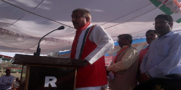 Modi-ki-kundali-me-dobara-PM-banne-ka-nahi-hai-yoag-pramod-tiwari