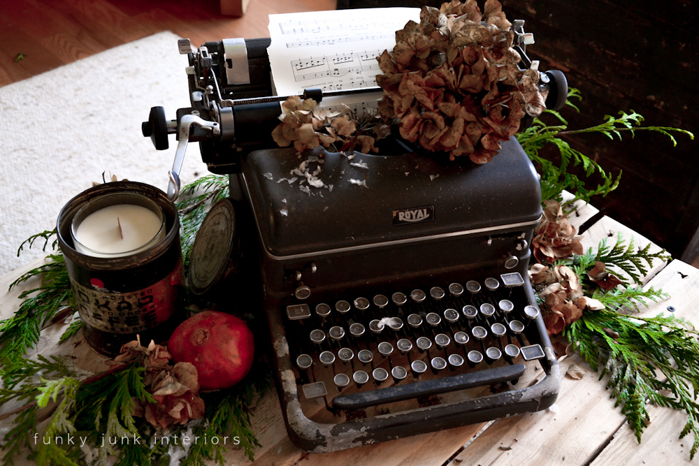 Vintage Typewriter Christmas Centrepiece 12 Days Day 7