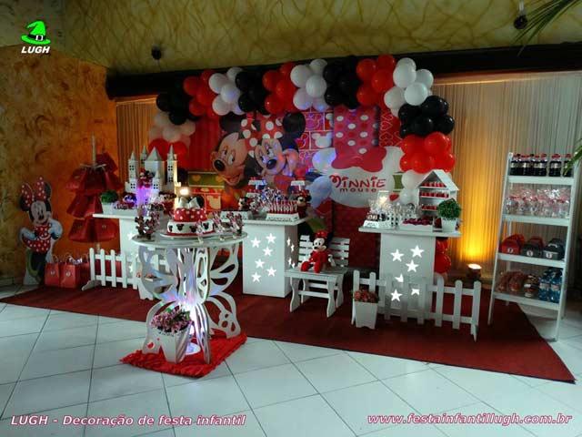 Decoração festa de aniversário infantil tema Minnie em mesa provençal