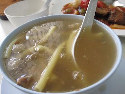 Bangkok, Silom Restaurant, oxtail soup