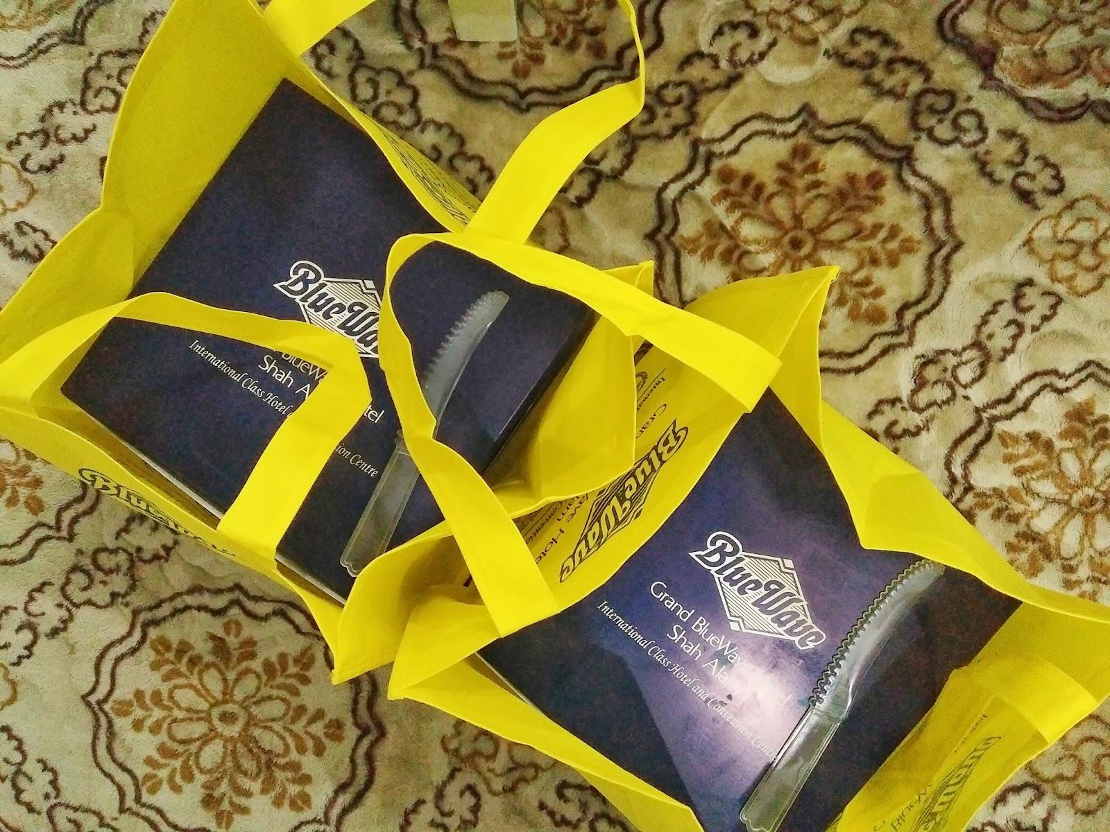 Kek Hari Jadi Dari Hotel Bluewave Shah Alam