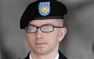 Spionaffaren rysk officer pekas ut som mottagare