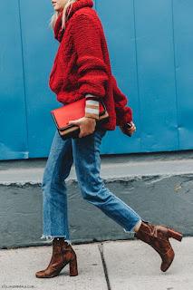 Jeans asimmetrici alla caviglia