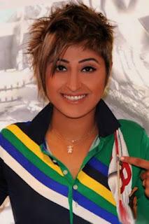 شجون الهاجري (Shojoon)، ممثلة ومذيعة كويتية