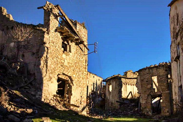 Kızılırmak kenarındaki terk edilen bu ürpertici köy, Türkiye'nin en korkunç köylerinden biridir.