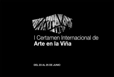 """Land  Art  Bodegas Aroa  Se Pone Guapa Navarra  193  -  Land  Art Bodegas Aroa, se pone guapa después de la terminación por parte de los artistas invitados de las obras artísticas creadas.  En este I Certamen Internacional """"Arte en la Viña"""", celebrado en el pueblo de Zurucuain, en Navarra, se ha podido ver la importancia que tiene la hibridación, entre el arte, la viña y la naturaleza. - www. casaruralurbasa.com"""