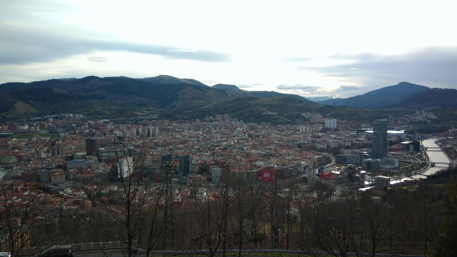 Panorama Bilbao z punktu widokowego