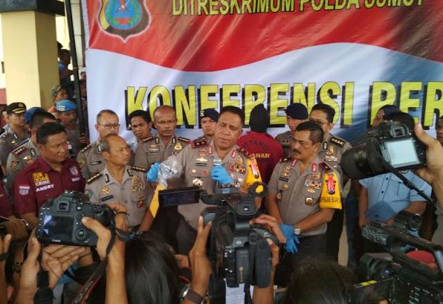 Konfrensi pers kasus pembunuhan yang dilakukan Wakapolres Lombok Tengah