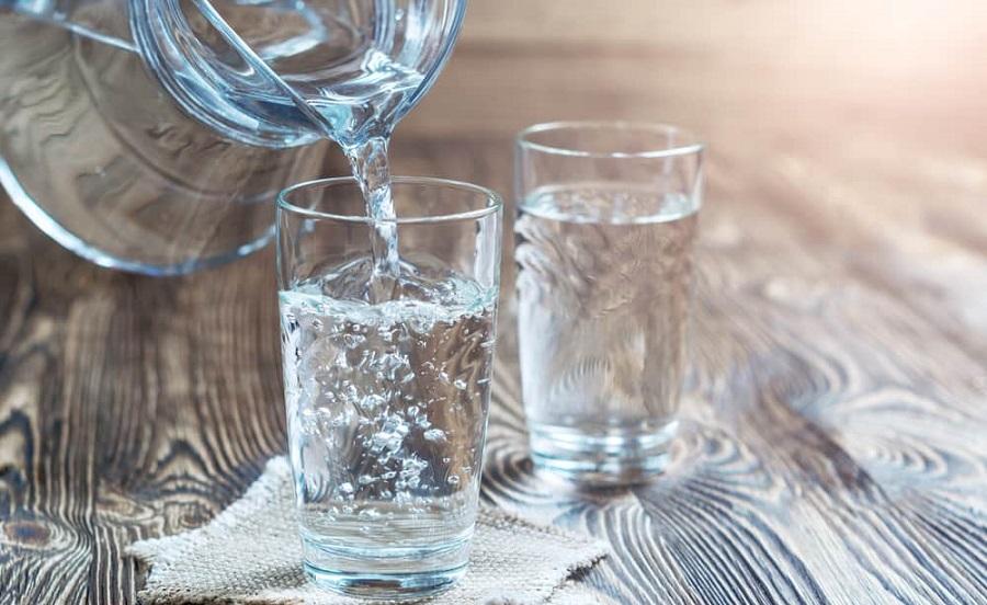 Perbanyak Minum Air Putih Untuk Menghindari TImbulnya Mata Panda