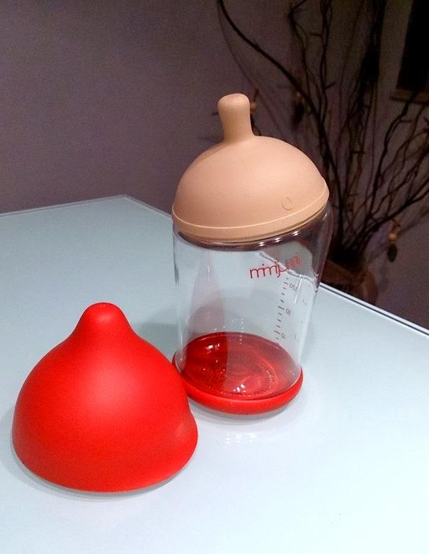 bereits optisch f llt diese trinkflasche im vergleich zu vielen anderen baby flaschen bereits. Black Bedroom Furniture Sets. Home Design Ideas