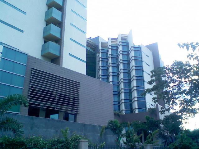 Zuri Hotel
