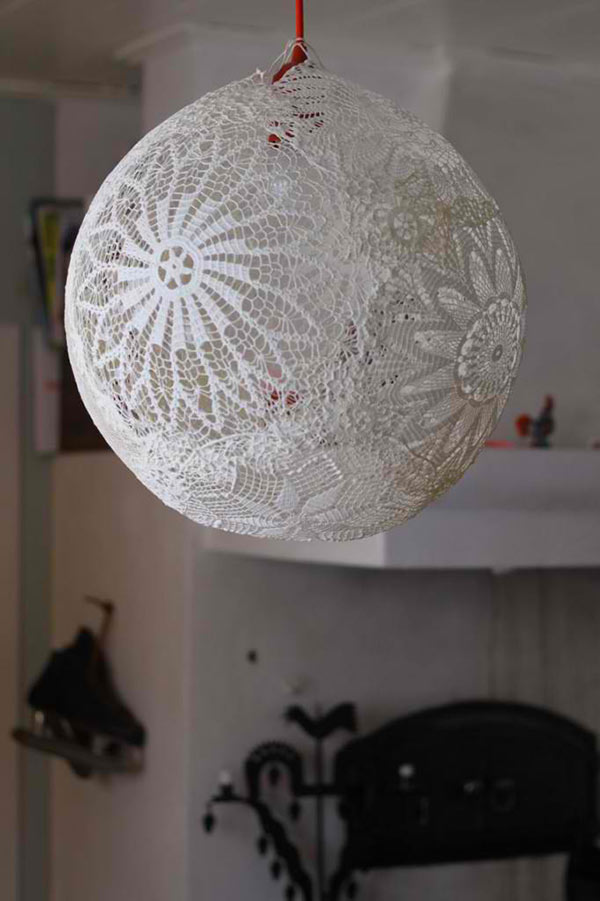 Lace lamp/Doiliy Lamp – DIY