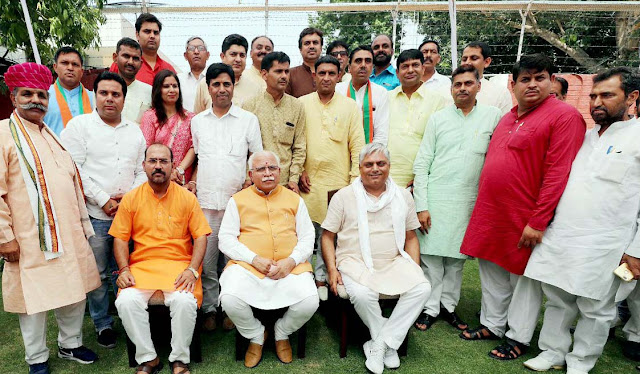 Chief Minister Manohar Lal held discussions with party office bearers of BJP party