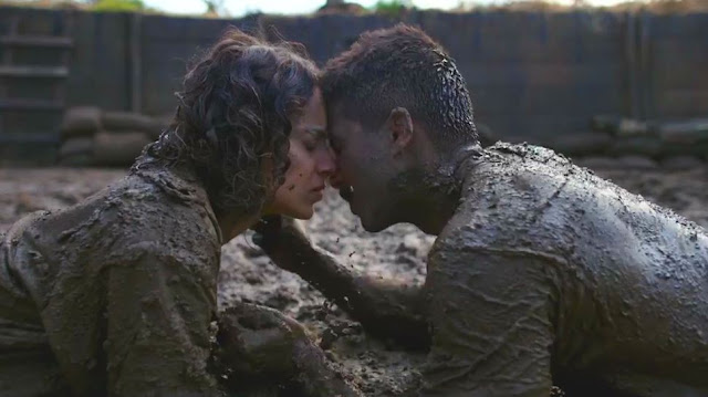 Rangoon, Directed by Vishal bhardwaj, romance in the mud, Shahid Kapoor, Kangana Ranaut, kiss