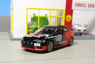 Tarmac Works - Advan Mitsubishi Lancer Evolution