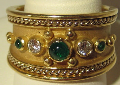 Emerald and gold ring from the 1960's