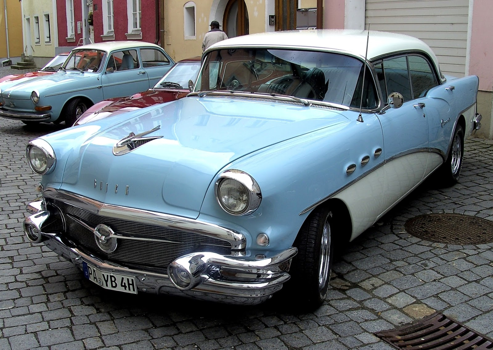 Vintage Car: Automobile Brand's Of The Past..,: Two-Tone Cars Of The