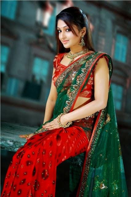 Malayalam actress Mithra Kurian hot in saree