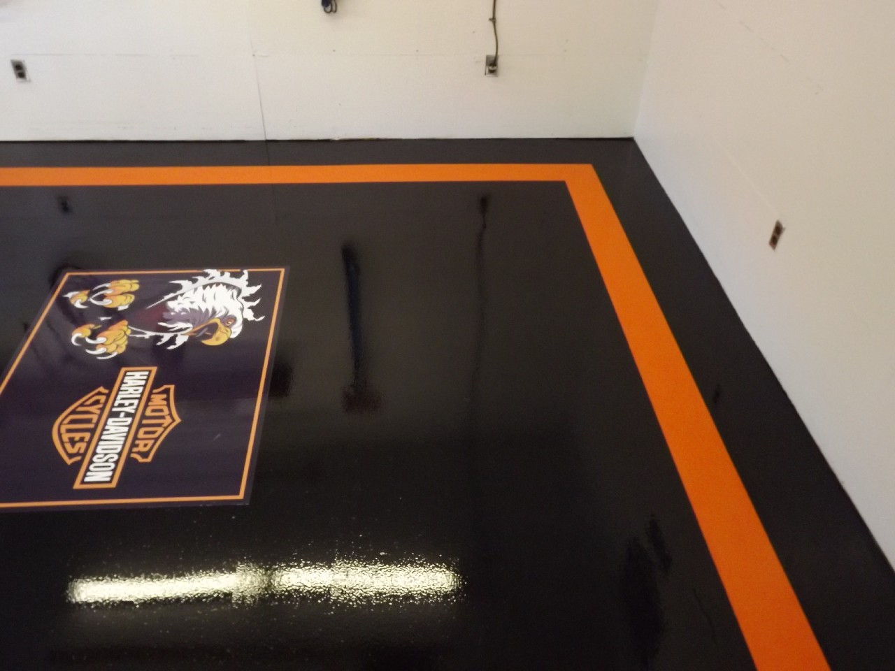 Epoxy Garage Floor Toronto Harley Davidson Garage Flooring Flooring Ideas And Inspiration
