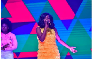 London fans and spectators  thrilled by Simi and Wande coal