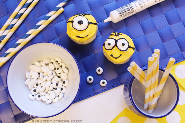 how to make the minions goggles, minions donut pops, baked donuts