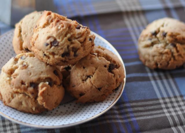 [I love food] Cookies con gocce di cioccolato e nocciole