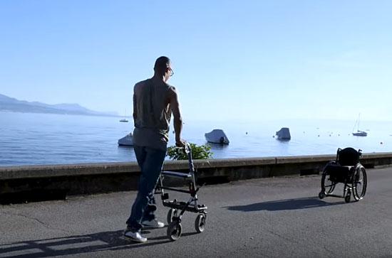 Paraplégicos voltam a andar graças a implante de medula espinhal - Img1