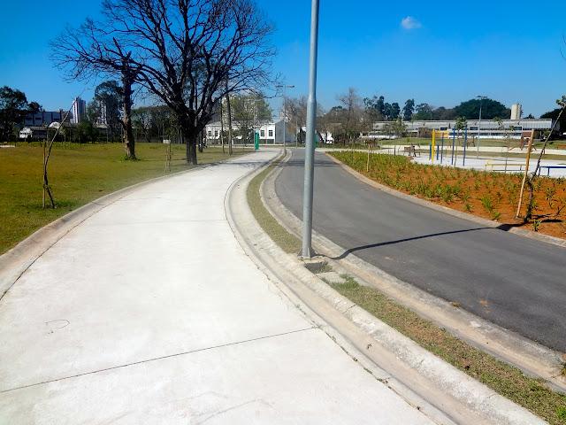 Ciclovia e pista de corrida no Parque Belém