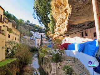 Setenil de las Bodegas - Calle Cuevas del Sol