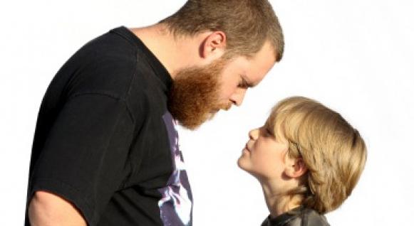 Delapan Perbuatan Orangtua yang Paling Ditakuti Anak
