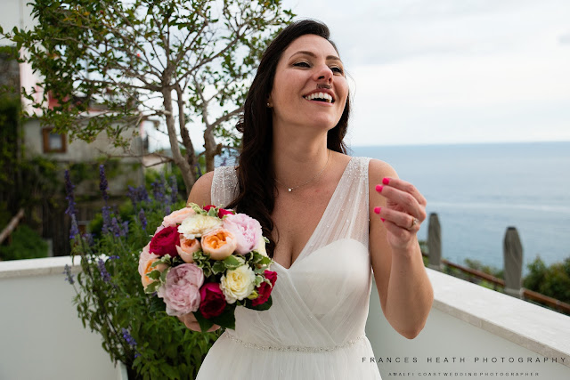 Fun wedding pictures in Praiano
