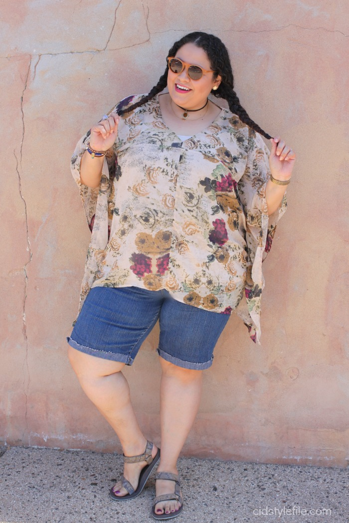 untamed-style,trends, 90s, fashion, teva sandals, chokers, denim shorts, hippie, 70's, style over 40, cid style file, plus size blogger