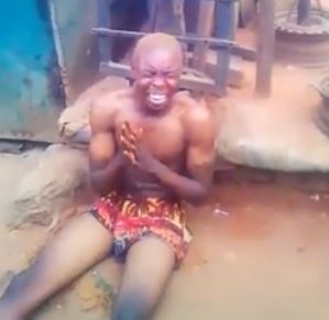 Yahoo boy runs mad and starts confessing at his father's funeral - see video