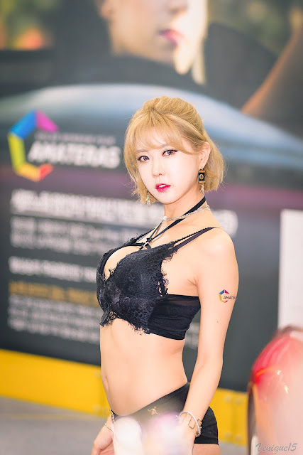 Heo Yoon Mi - Seoul Auto Salon 2017 - very cute asian girl - girlcute4u.blogspot.com (103a)