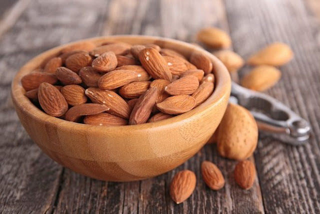 Ways To Clear Up Your Skin With Almonds