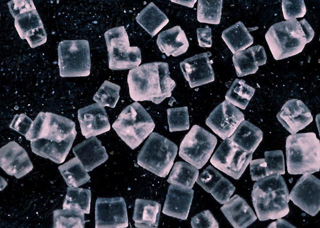 Truco natural para hacer cubitos de hielo más rápido.