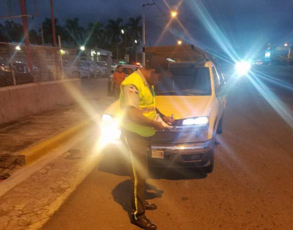 Eliminarán las luces Led en vehículos a partir de hoy