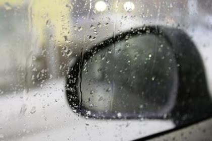 Cara Menghilangkan Embun Di Kaca Spion Saat Hujan Lebat