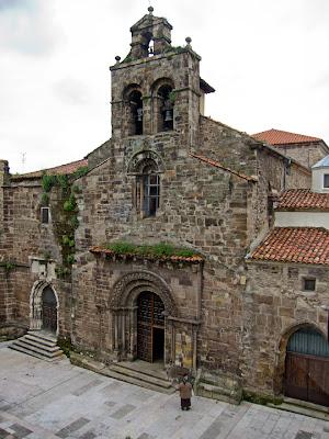 Avilés: iglesia de los padres franciscanos
