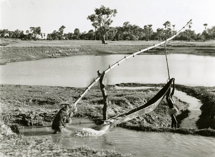 Irrigation pump in India 1944