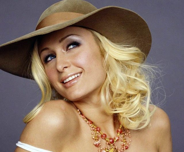 Biodata dan Profil Artis Paris Hilton