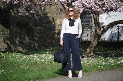 https://seaofteal.blogspot.de/2016/04/culottes-magnolia-knipmode-fashion.html