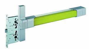 Instalación de barras antipánico