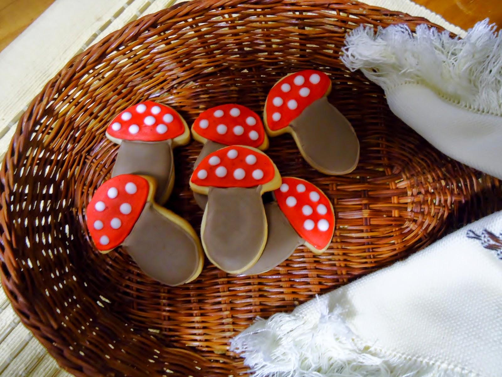 Galletas decoradas con Glasa III : ¡Una de setas!... ¡Oído, cocina ...